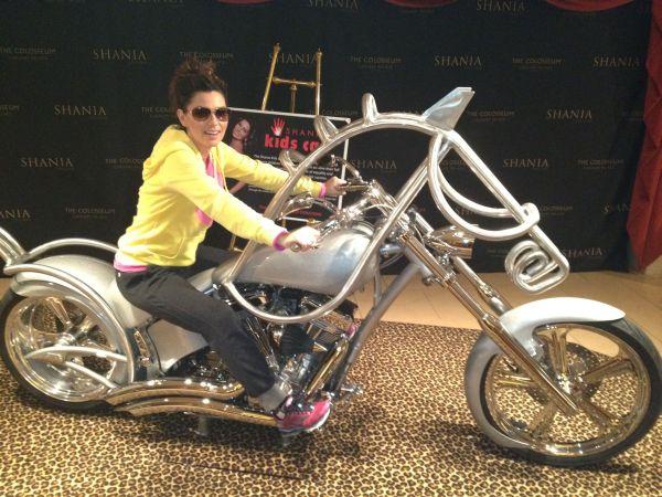 shania-vegas-stilltheone-motorcycle.JPG